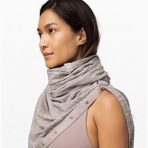 Lululemon gray vinyasa scarf